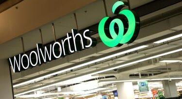 Woolworths retire des couteaux et des ciseaux des étagères après avoir poignardé Brunswick